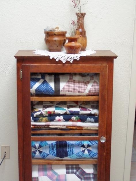 Best Glass Quilt Storage Cabinets Tonyswadenalocker Quilt Storage Cabinets